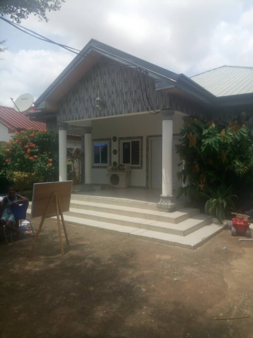 TITLED 4 BEDROOM WITH OUTHOUSE AT AMASAMAN