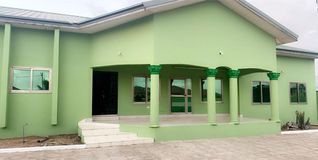 REGISTERED AND EXECUTIVE 4 MASTER BEDROOM PLUS OUTHOUSE AT KASOA