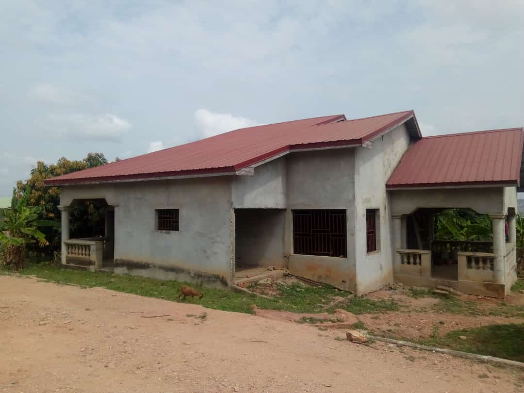 TITLED AND ROOFED 4 MASTER BEDROOM HOUSE ON 2 PLOTS AT APLAKU