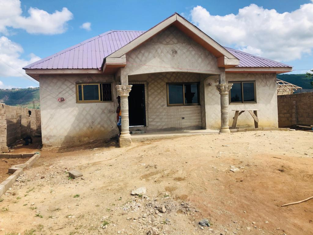 3 BEDROOM HOUSE NEAR POLICE STAION AT DODODWA