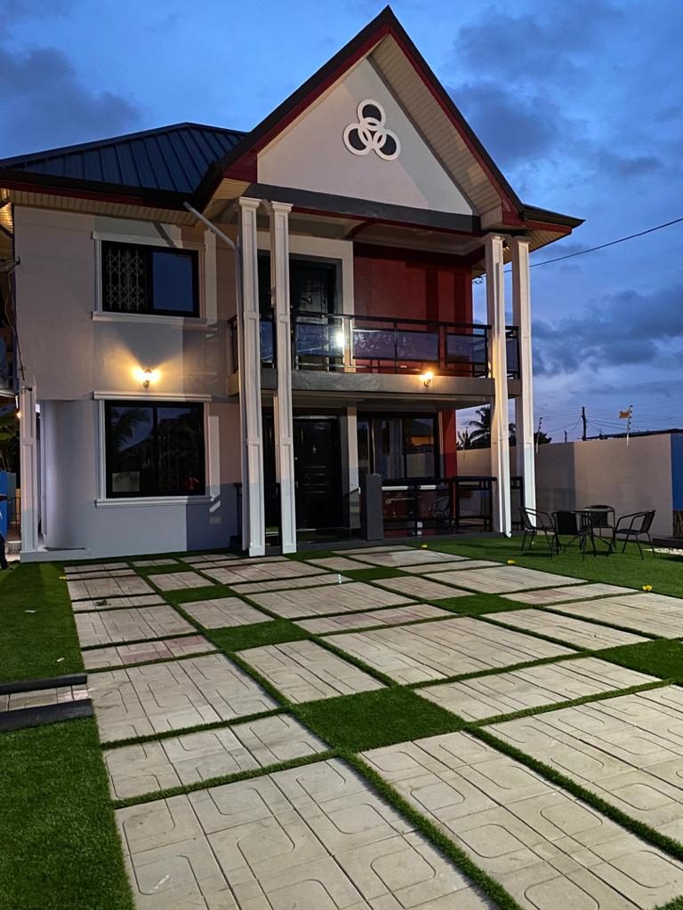 EXECUTIVE AND FULLY FURNISHED 4 MASTER BEDROOM STOREY HOUSE AT SCC OLD BARRIER / NEW WEIJA