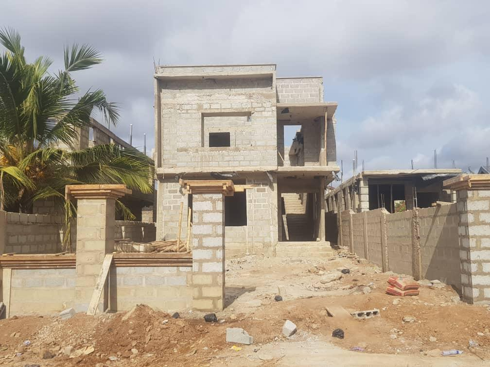 TITLED AND ROOFED 4 MASTER BEDROOM HOUSE AT PANTANG