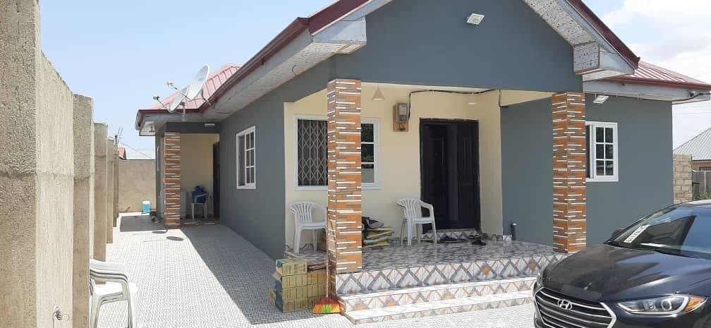 EXECUTIVE AND REGISTERED 2 MASTER BEDROOM HOUSE ON 1 PLOT AT KASOA