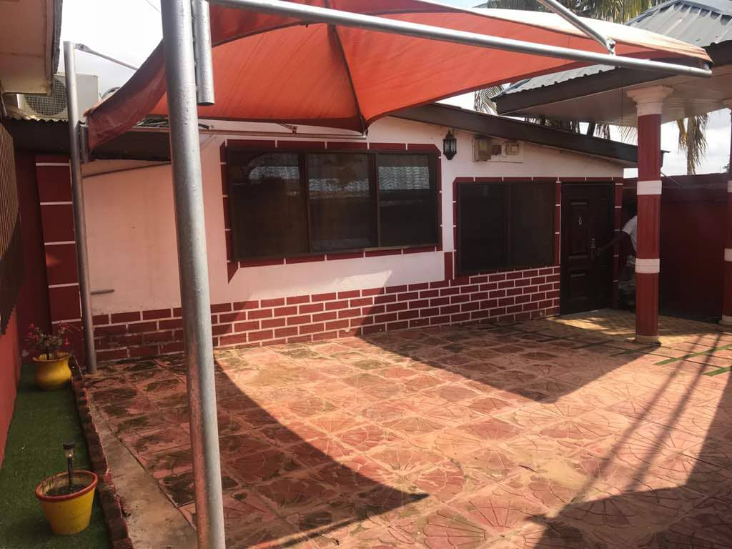 EXTRA PLUSH 3 MASTER BEDROOM HOUSE SELF COMPOUND AT NORTH KANESHIE FOR RENT