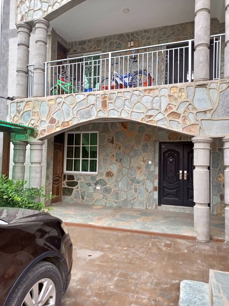 EXECUTIVE 3 MASTER BEDROOM APARTMENT AT ACHIMOTA MALL AREA (UNFURNISHED)