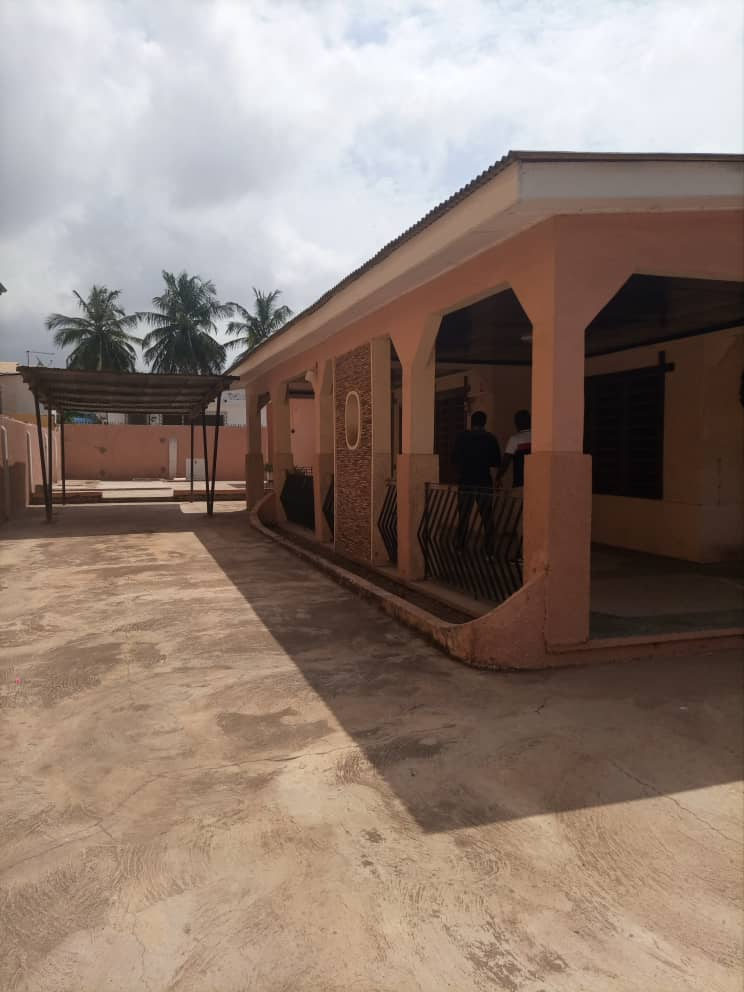 4 BEDROOM HOUSE AT MALLAM STATION